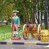 Парковая скульптура. Солдат у пушки