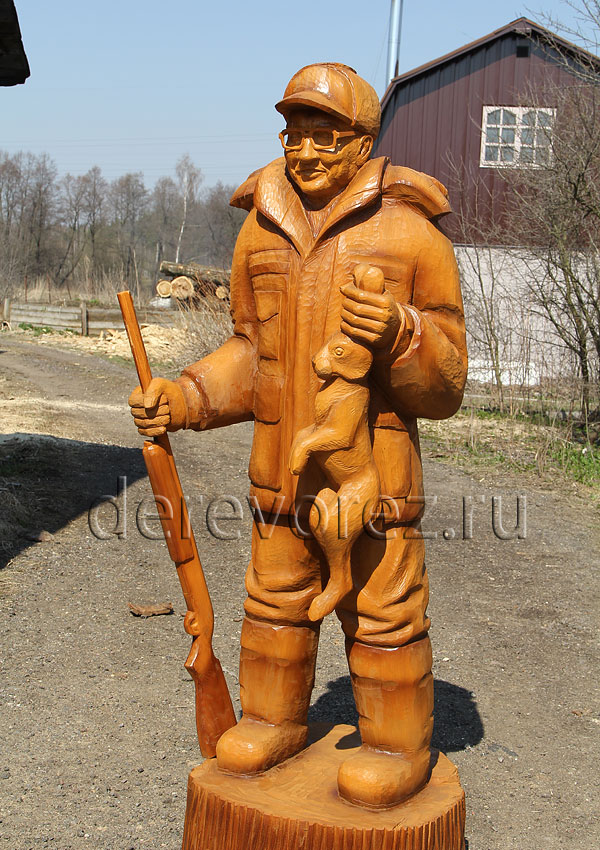 Охотник. Садовая скульптура